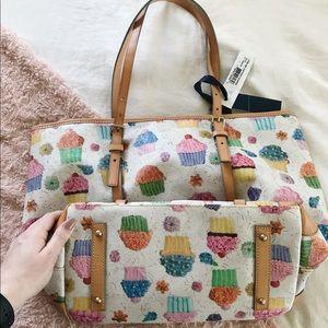 Dooney & Bourke Bags - BNWT Dooney&Bourke East West Shopper